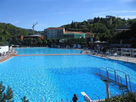 terme acqui terme prezzi ingresso piscina ad acqui terme per il tuo relax all aperta