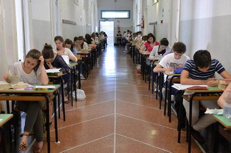 abolizione test ingresso skuola net test di ingresso all universit 224 nel caos