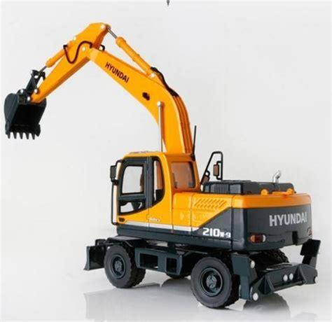 Miniatur Alat Berat Remot Kontrol jual miniatur alat berat hyundai wheel excavator harga