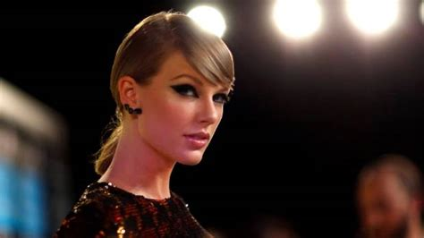 download mp3 gorgeous taylor swift taylor swift s new single gorgeous ready to drop friday