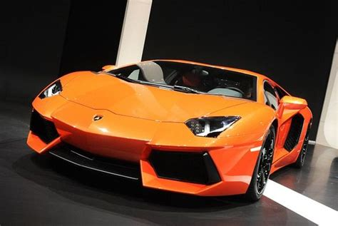 Features Of Lamborghini 2012 Lamborghini Aventador Lp Features And Specifications