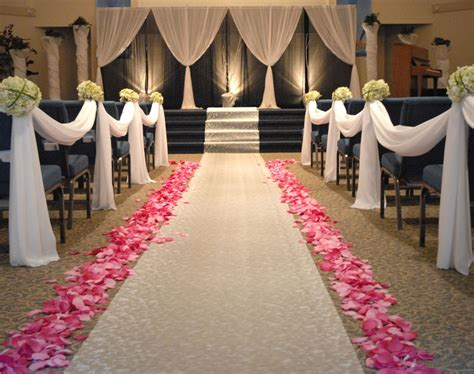 wedding aisle draping i would want the church decorate similarly to this i love