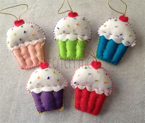 Handmade Felt Ornaments - set of 6 handmade felt cupcake ornaments favors