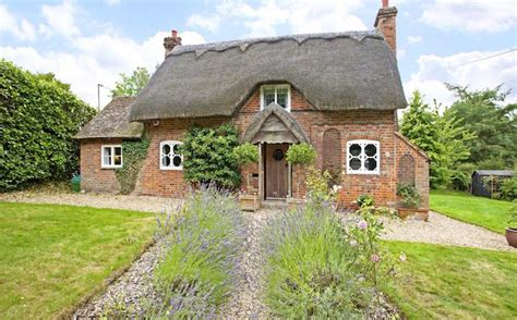 Cottage Berkshire by Property Flirt 3 Bedroom Fairytale Cottage Berkshire