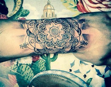 henna tattoo zayn zayn malik hand tattoo mandala flower arabic tattoos