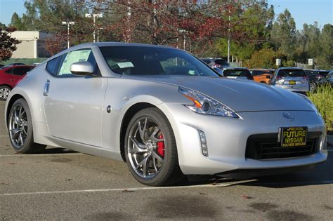 New 2017 Nissan 370z Sport Tech Coupe In Roseville F10706