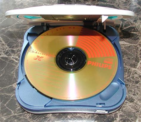 what is a mp3 cd mp3 cd misel mpjuke 2000 player