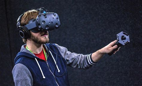 amazon htc vive why 2016 will be virtual reality s breakthrough year