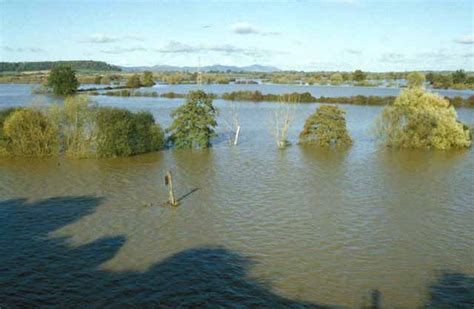 what are flood plains flood plain of the severn from wainlode 169 mike simms