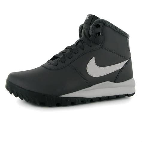 nike walking boots mens nike mens hoodland leather walking boots hiking trekking