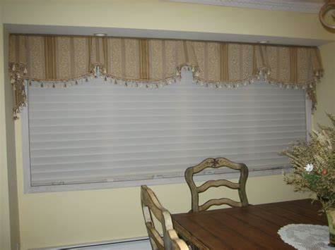 dining room valance 301 moved permanently