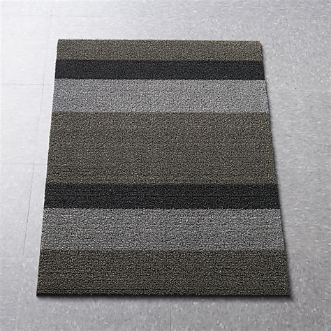 Chilewich Outdoor Rugs Chilewich 174 Silver Black Striped 20 Quot X36 Quot Doormat Home Crate And Barrel And Stripes