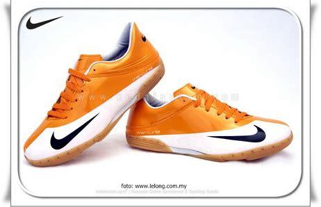 Sepatu Futsal Ringan Loyal Bee
