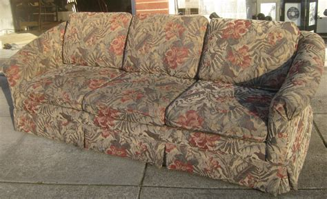 floral sectional sofa floral print couches pictures to pin on pinterest pinsdaddy