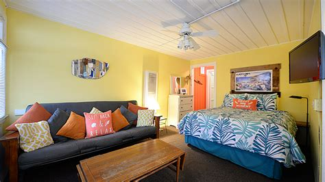 The Live Room Sumner by 337 Sumner Ave Island Vacation Rentals