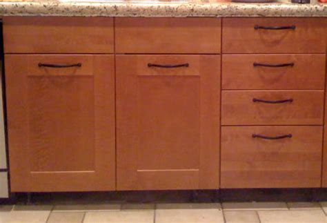 where to place kitchen cabinet handles should cabinet handles be installed vertical or horizontal