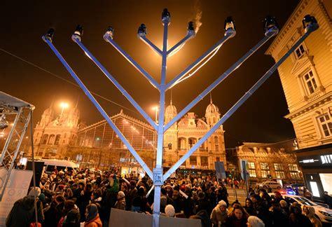 hanukkah festival of lights hanukkah 2015 when does the jewish festival of lights begin