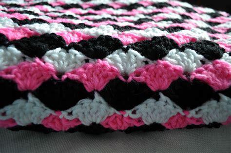 shell pattern crochet video chirpinbirdie simple shell blanket free crochet pattern