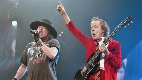 Angus Young Joins Guns N? Roses On Stage « 93.1 Jack FM