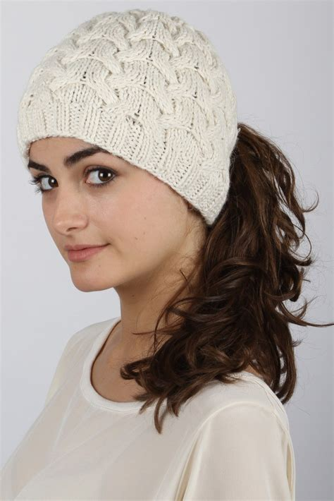 Hairstyles For Hats Hair by Hairstyles To Wear With Winter Hats Hairstyles