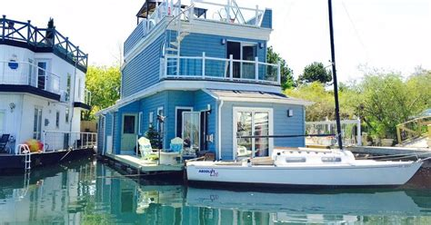 boat prices toronto 8 floating homes in canada that cost less than a house in