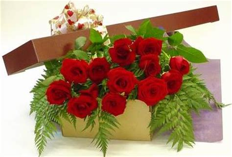 Wedding Flower Gifts by Modern Wedding Gifts Florist India Picksmiles
