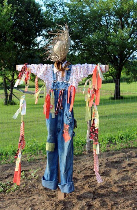 Scarecrow Garden Decor Diy Decor How To Make A Scarecrow The Budget Decorator