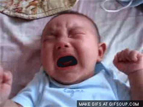 imagenes de bebes tristes llorando gifs animados de beb 233 s llorando gifmania