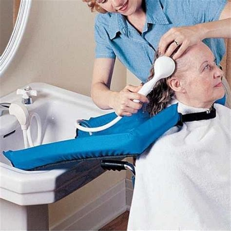 Comfort Cape Shoo Aid Caregiver Aid For Washing Hair