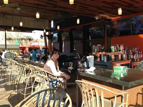 hooters  drive orlando restaurant reviews phone