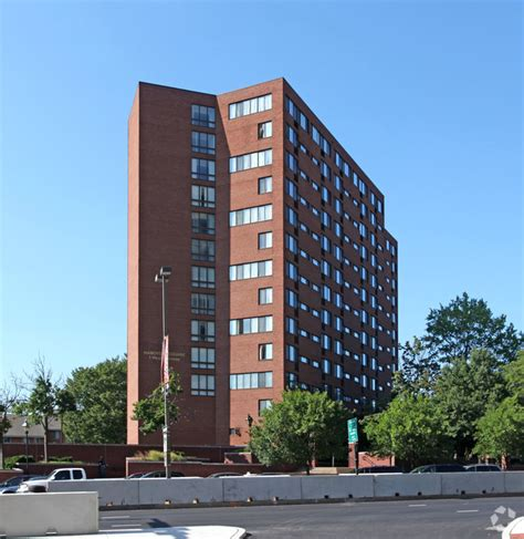 Baltimore Appartments by Hanover Square Apartments Rentals Baltimore Md