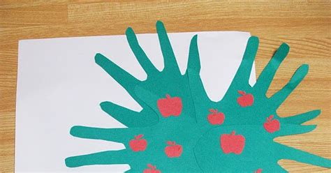 johnny appleseed crafts preschool crafts for kids preschool crafts for kids johnny appleseed apple tree craft