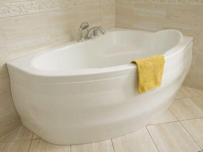 badewanne pflege badewanne richtig pflegen und s 228 ubern