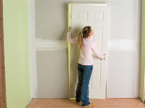 Pre Hung Closet Doors How To Install Interior Pre Hung Doors How Tos Diy
