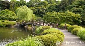 on the relationship of traditional japanese gardens to