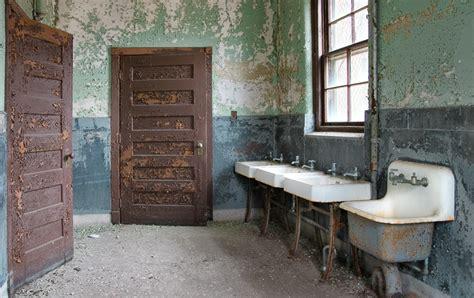 bathroom use control bdsm institutional bathroom by baleze on deviantart