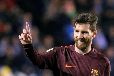lionel messi height bio net worth age family wife