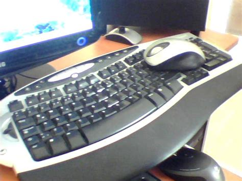 microsoft wireless comfort keyboard 1 0a 25tl microsoft wireless comfort keyboard 1 0a model 1027