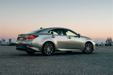 lexus es 2017 lexus es350 reviews and rating motor trend