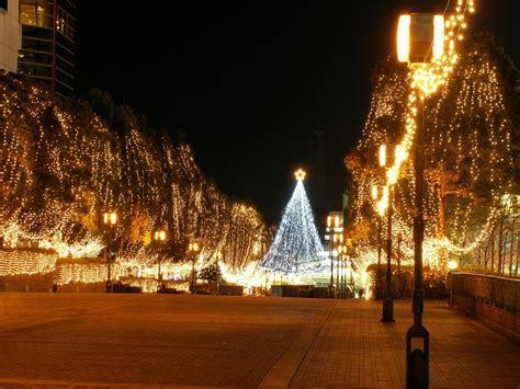 city street christmas lights xmaspin