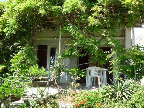 bungalow de jardin bungalow de vacances avec jardin 224 100m de la mer m 233 diterran 233 e split dalmatia abritel