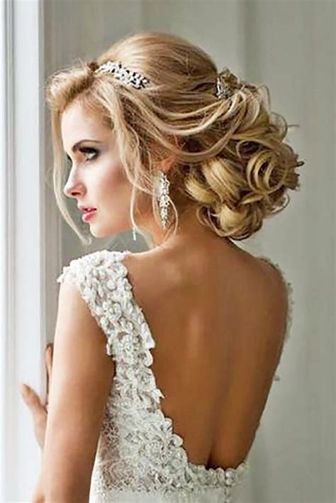 Bridal Hairstyles For Hair With Tiara by Wedding Hair With Tiara Www Pixshark Images