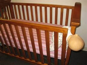 cpsc issues warning on drop side cribs 32 fatalities in