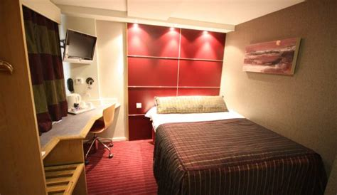 how to get a hotel room how to get a better hotel room