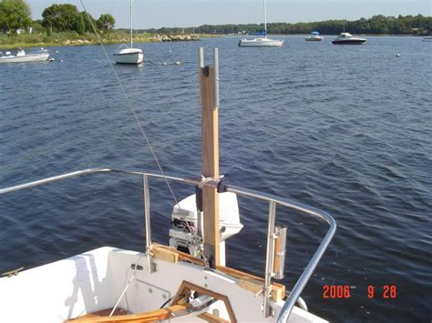 sailboat stern rail dsc00628 the stern rail as mentioned previously is very