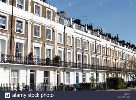 houses to buy in north london row of georgian terraced houses camden north london england uk stock photo