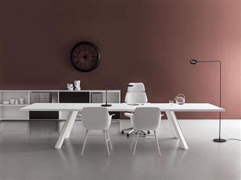 scrivania ufficio offerta come scegliere la scrivania per ufficio 5 consigli utili