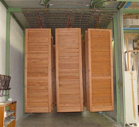 verniciatura persiane legno verniciatura persiane e finestre falegnameria adda