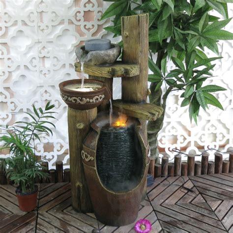 fuentes patio interior instalar una fuente de agua decorativa en el jardin modelos