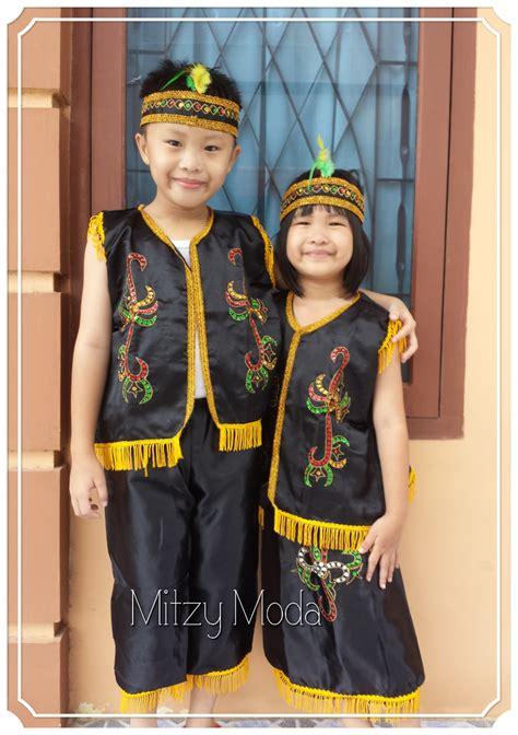 Baju Adat Papua Anak gambar suku dayak kalimantan barat gambar baju di rebanas